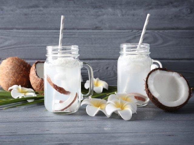 agua- comprar-leite-beneficios-a-saude-natural-calorias-em-agua-castanha-banana